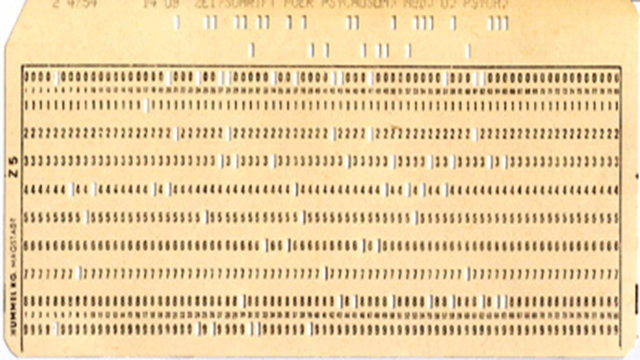 Geschichte der Betriebssysteme  1945-1955: Software und Hardware verbunden; werden als Einheit wahrgenommen  1955-1965: erste Trennung von Steuerpro