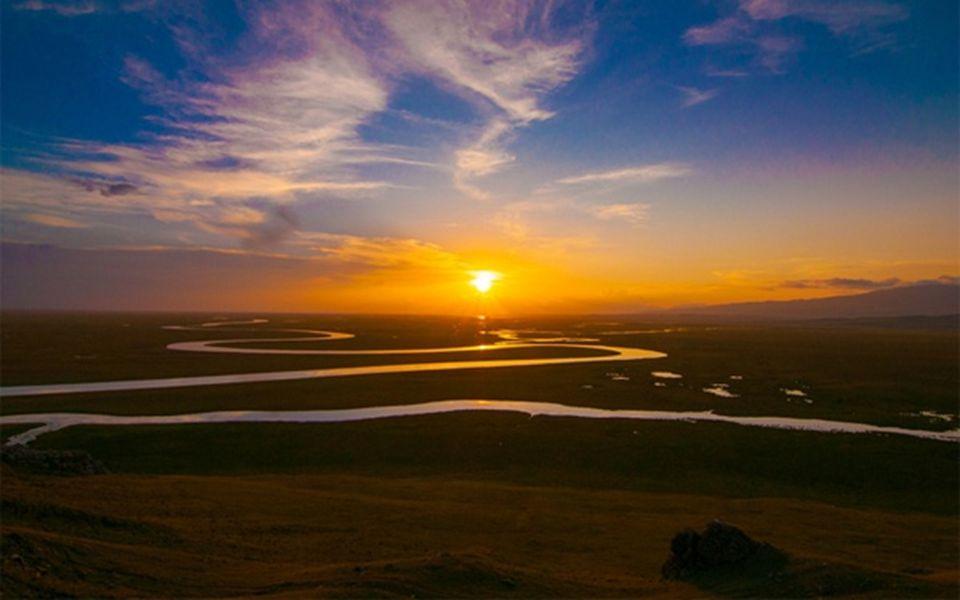 9. 4 Autobahnen verbinden Tibet mit den chinesischen Städten Chuanzang (Sichuan-Tibet Highway), Qingzang (Qinghai-Tibet Highway), Dianzang (Yunnan-Tib