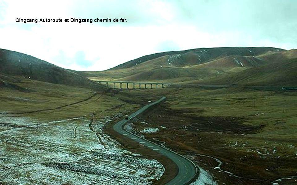 Qingzang Autoroute Die 1160 km lange Qing´zang Autobahn verläuft parallel zur berühmten Bahnstrecke Qinghai-Tibet. Sie beginnt von Golmud in Qinghai,
