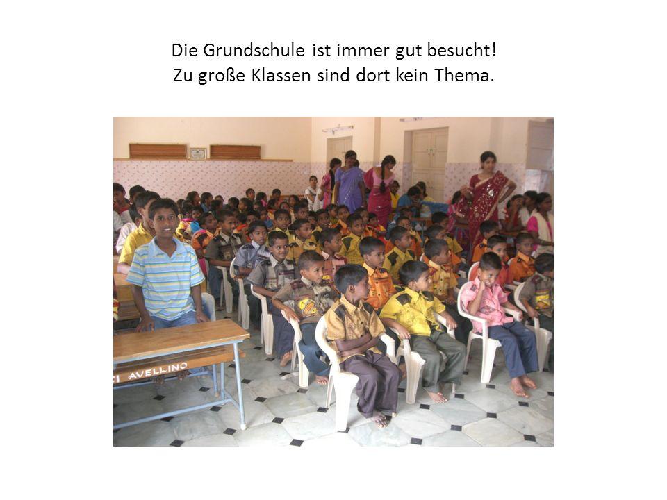 Die Grundschule ist immer gut besucht! Zu große Klassen sind dort kein Thema.