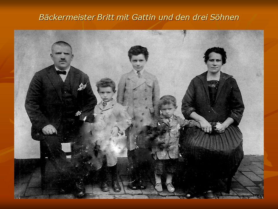 Links Familie Kollmer mit Enkelin, rechts Lehrer Hartmann, Braunecker Willi, Grete Kollmer und Herbert Hartmann