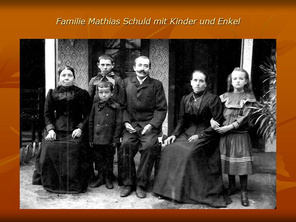 Familie Mathias Schuld mit Kinder und Enkel