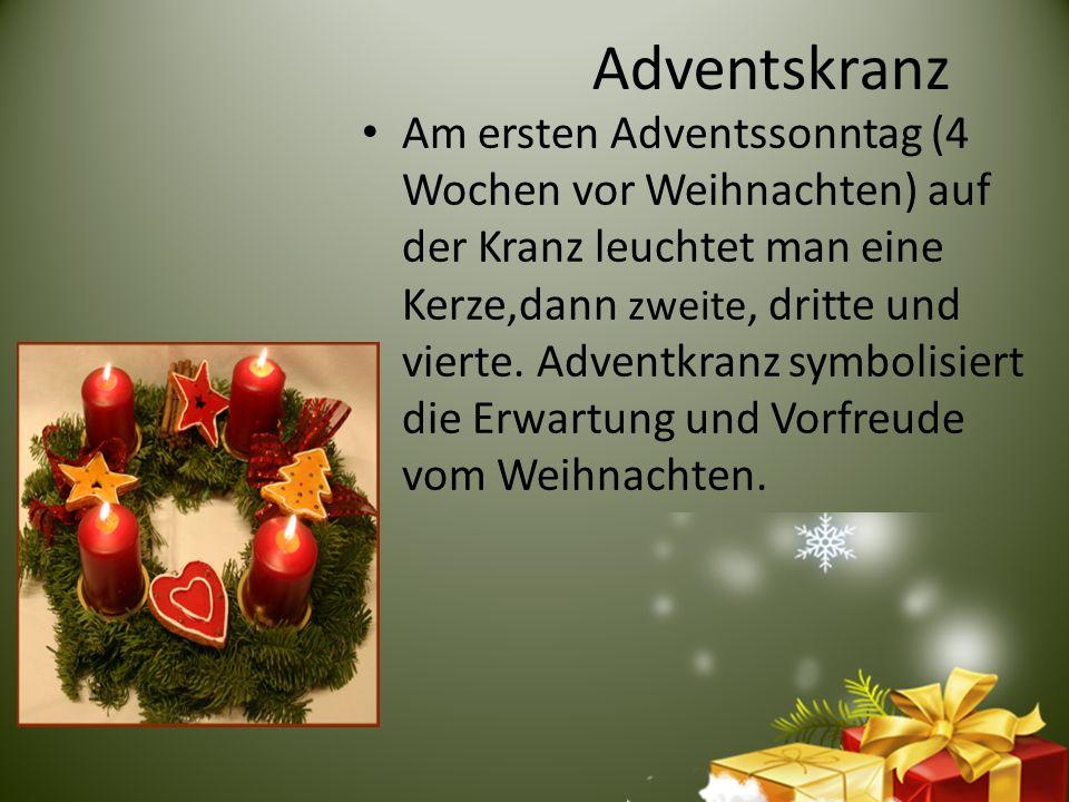 Kinderweihnachtskalender Der Adventskalender symbolisiert die Erwartung.