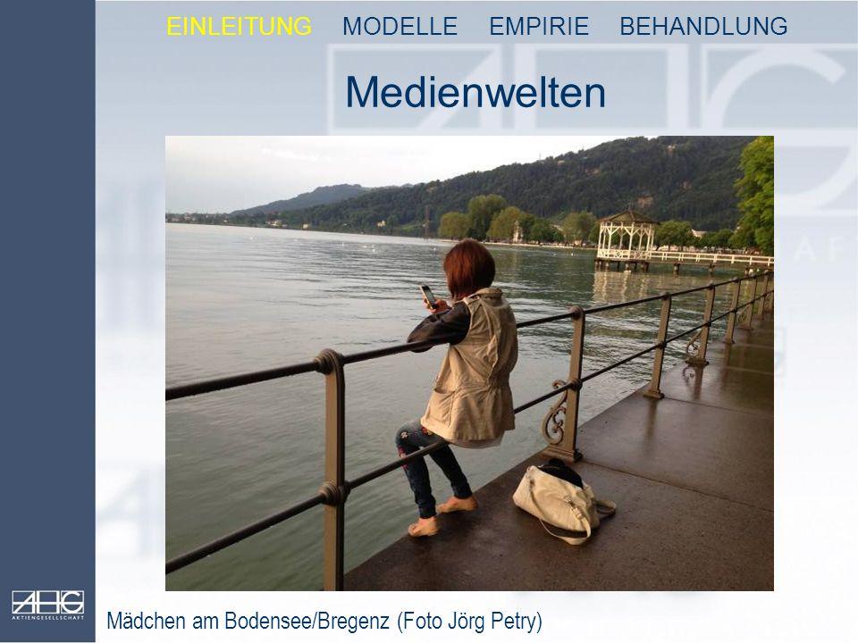 Medienwelten Mädchen am Bodensee/Bregenz (Foto Jörg Petry) EINLEITUNG MODELLE EMPIRIE BEHANDLUNG