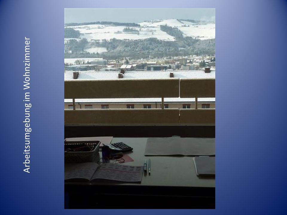 Nach einem ausgefüllten Tag, werden die Sommerabende auf dem Balkon genossen mit wunderbarer Aussicht auf die Alpen.