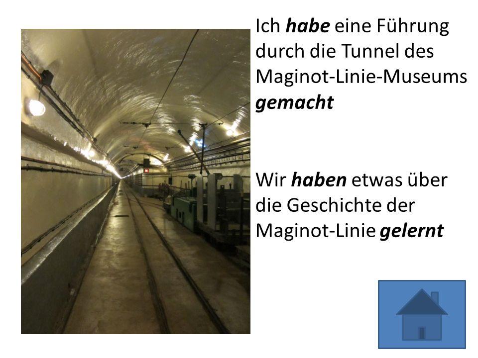 Ich habe eine Führung durch die Tunnel des Maginot-Linie-Museums gemacht Wir haben etwas über die Geschichte der Maginot-Linie gelernt