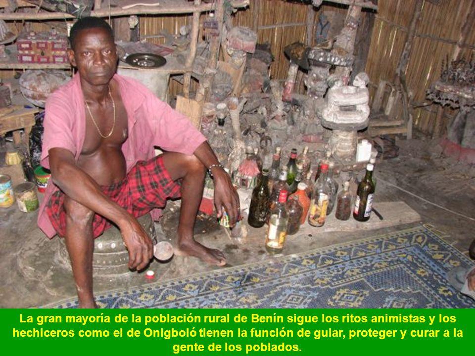 Familia musulmana de la etnia dendi en el norte de Benín