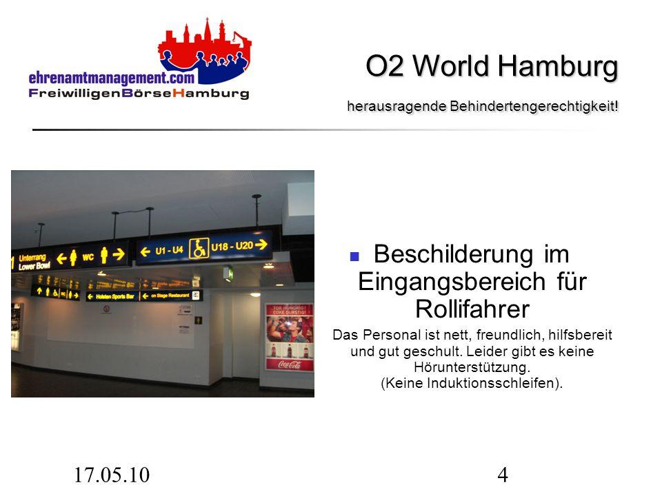 17.05.105 Die Plätze für Rollstuhlfahrer sind am Rand, genug für 79 Rollstuhlfahrer und 79 Begleitpersonen.