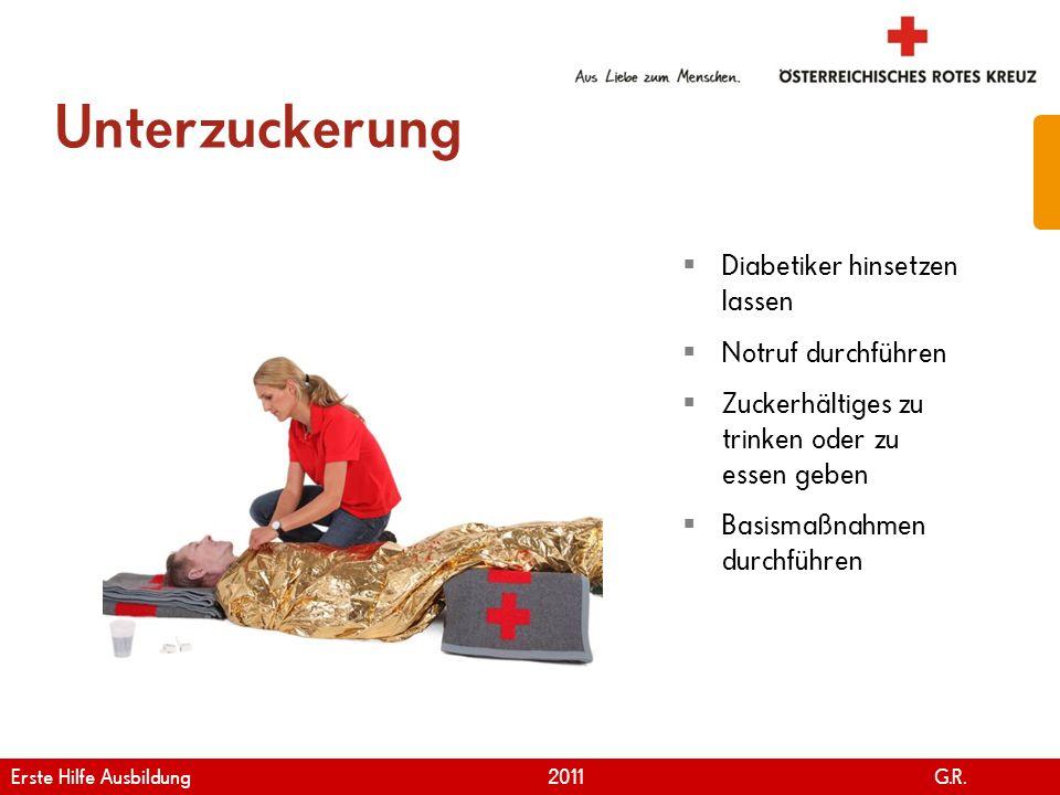 www.roteskreuz.at Version April | 2011 Unterzuckerung 31 Diabetiker hinsetzen lassen Notruf durchführen Zuckerhältiges zu trinken oder zu essen geben