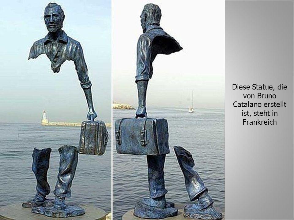 Diese Statue, die von Bruno Catalano erstellt ist, steht in Frankreich