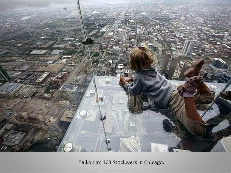 Balkon im 103 Stockwerk in Chicago.