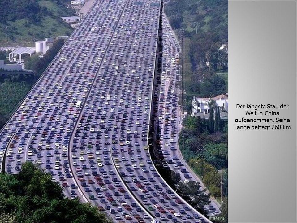 Der längste Stau der Welt in China aufgenommen. Seine Länge beträgt 260 km