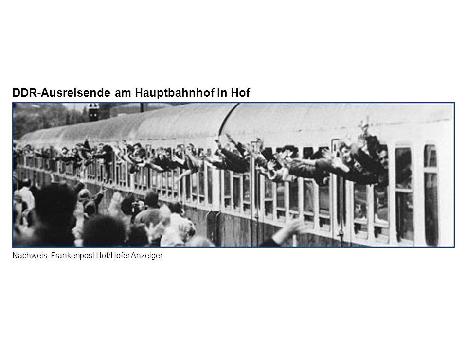 Nachweis: Frankenpost Hof/Hofer Anzeiger DDR-Ausreisende am Hauptbahnhof in Hof