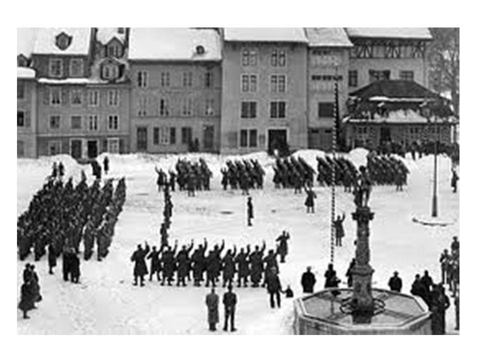 Vereidigung des Solothurner Infanterie Regiments 11 im Stadtpark am 2. September 1939.(Solothurner Zeitung)