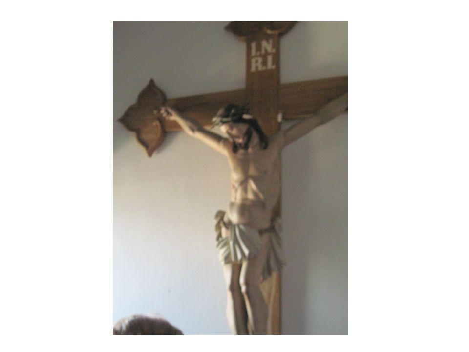 De Ortspfarrer ond de Präses stönd scho am Altar