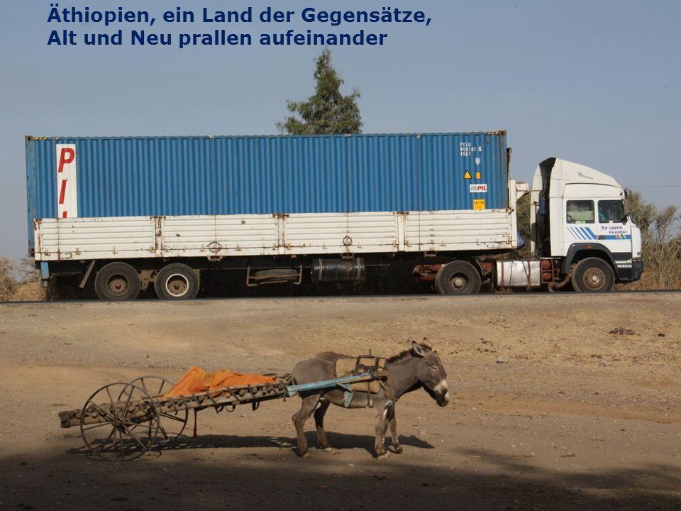 5 Spendenprojekt der Schülerarbeit für Äthiopien: Hilfe für Straßenkinder in Adwa Wolfgang Ilg / Fritz Leng März 2014 Äthiopien, ein Land der Gegensätze, Alt und Neu prallen aufeinander