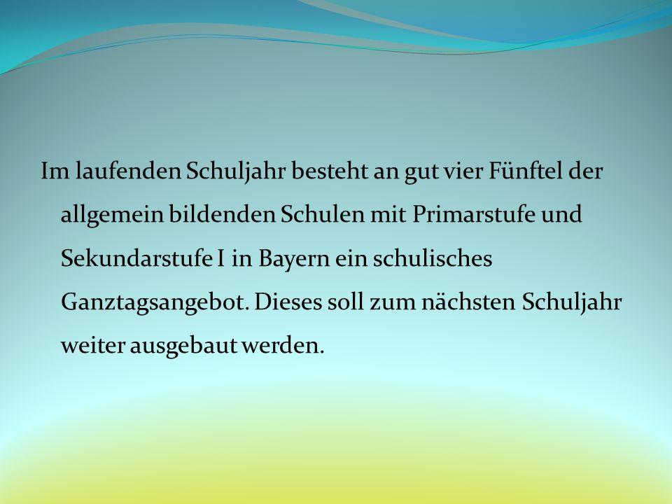 Im laufenden Schuljahr besteht an gut vier Fünftel der allgemein bildenden Schulen mit Primarstufe und Sekundarstufe I in Bayern ein schulisches Ganzt
