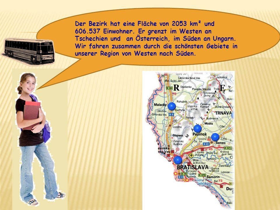 Der Bezirk hat eine Fläche von 2053 km² und 606.537 Einwohner. Er grenzt im Westen an Tschechien und an Österreich, im Süden an Ungarn. Wir fahren zus