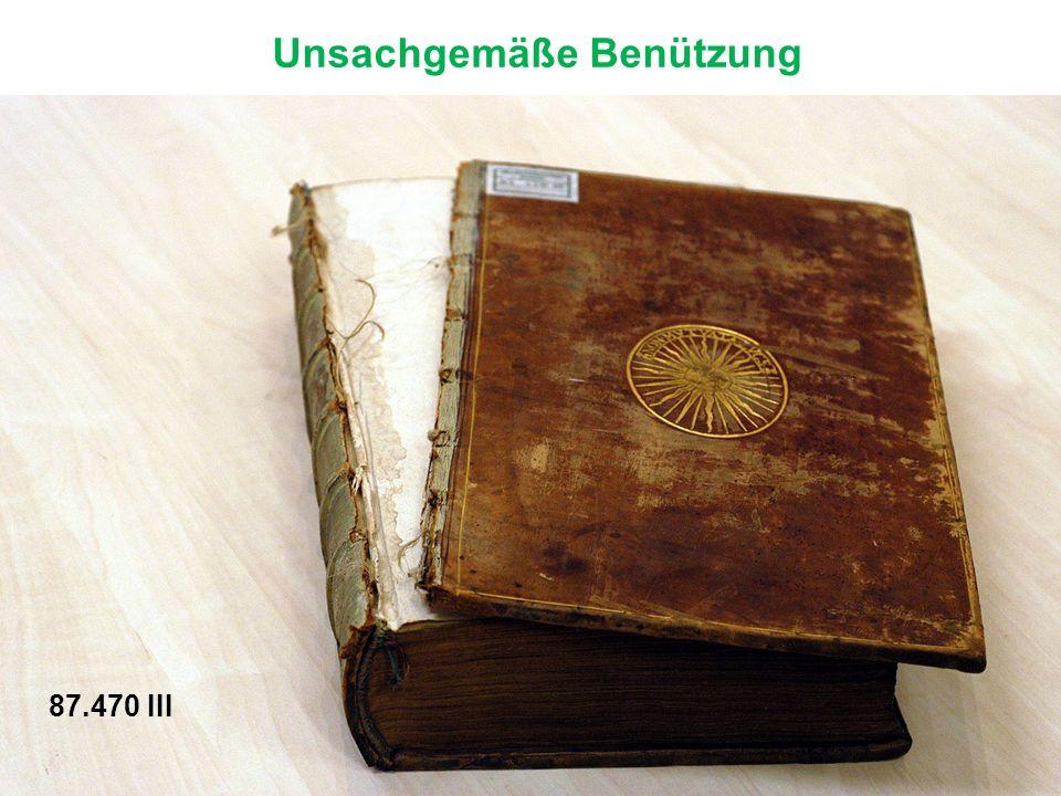 Das Kapital (oberer Rand) des Buches wird mit bunten Fäden umstochen