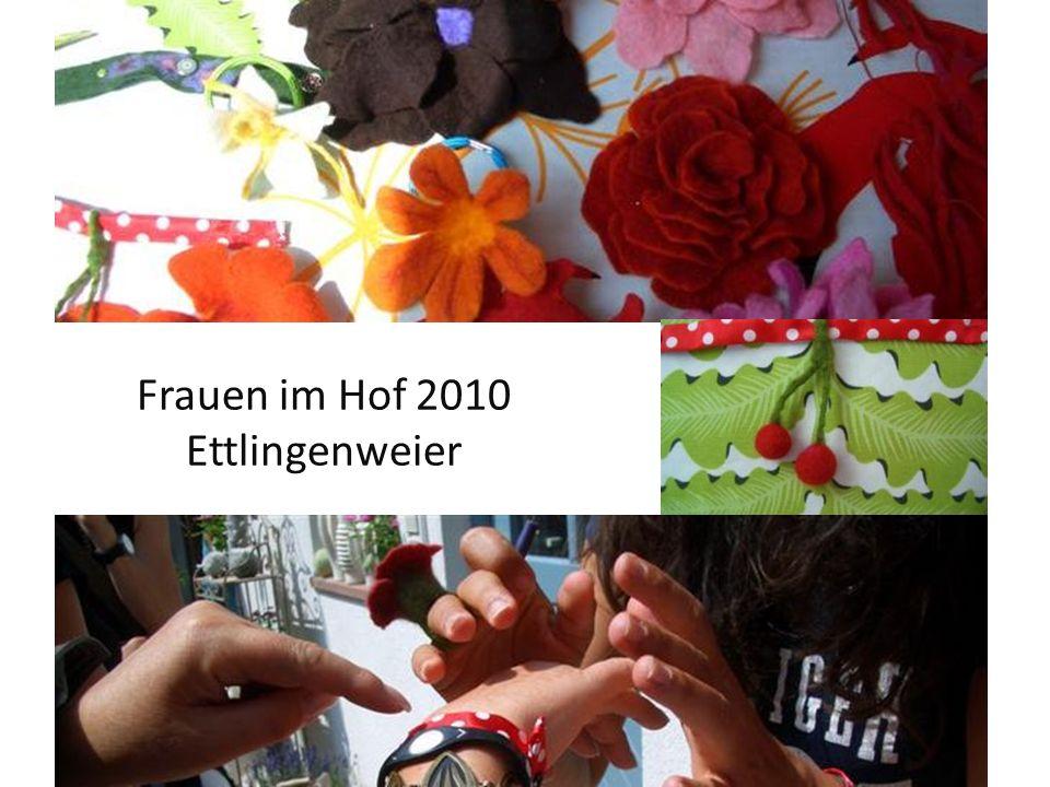 Frauen im Hof 2010 Ettlingenweier