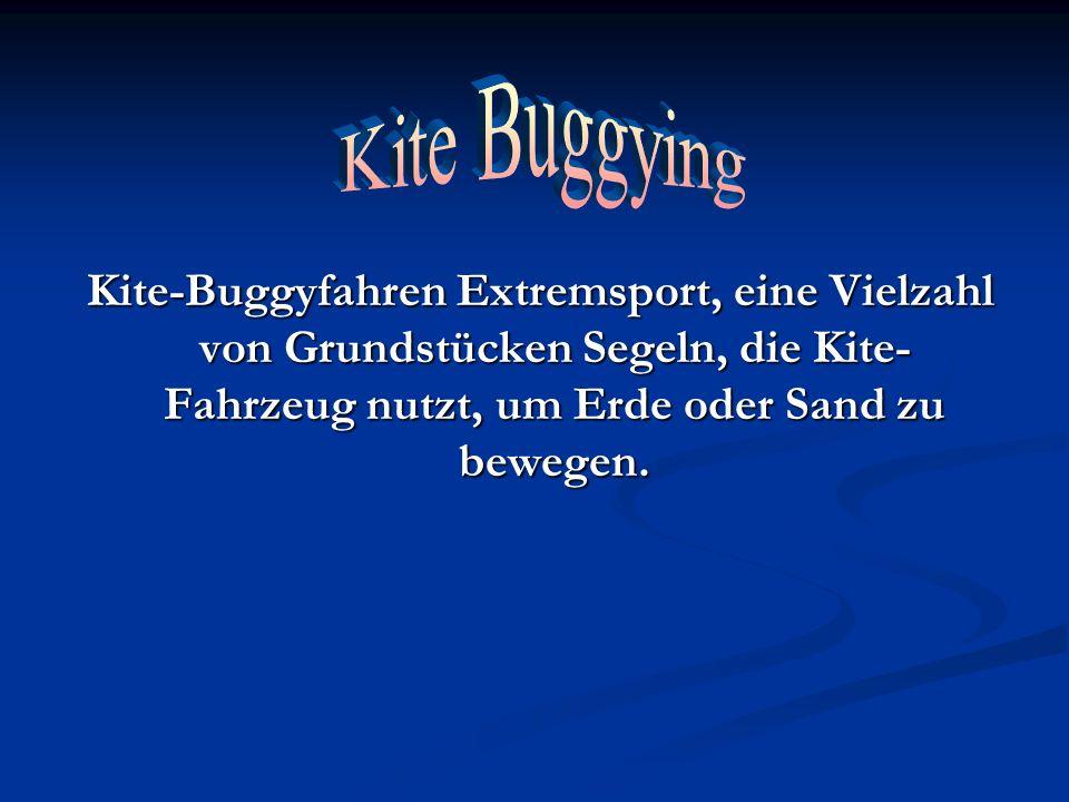 Kite-Buggyfahren Extremsport, eine Vielzahl von Grundstücken Segeln, die Kite- Fahrzeug nutzt, um Erde oder Sand zu bewegen. Kite-Buggyfahren Extremsp