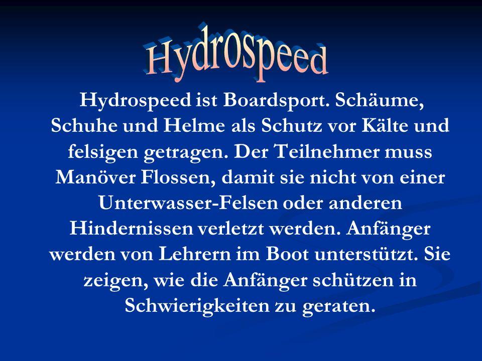 Hydrospeed ist Boardsport. Schäume, Schuhe und Helme als Schutz vor Kälte und felsigen getragen. Der Teilnehmer muss Manöver Flossen, damit sie nicht