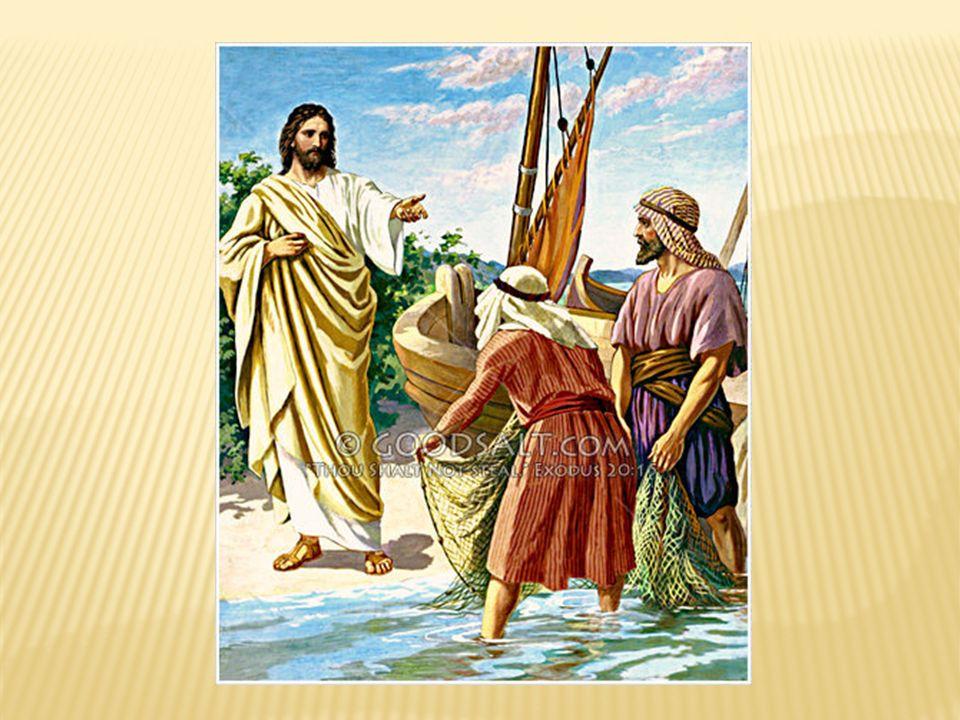 Als er am Ufer des Sees von Galiläa entlangging, sah er zwei Brüder, Simon, der Petrus genannt wird, und Andreas, seinen Bruder, wie sie das Netz in den See warfen, sie waren nämlich Fischer.