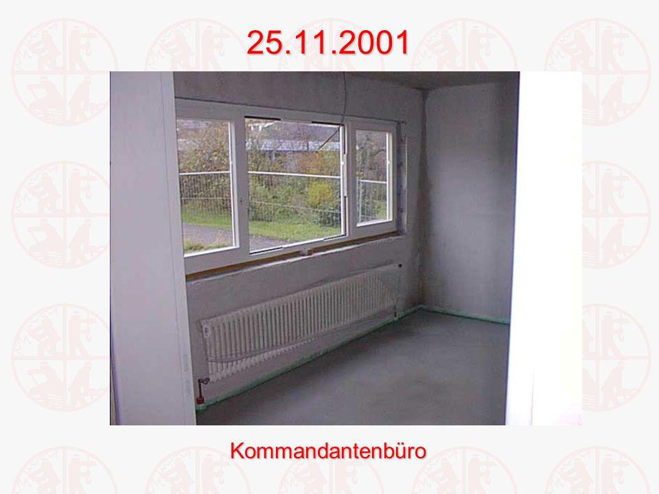 25.11.2001Kommandantenbüro