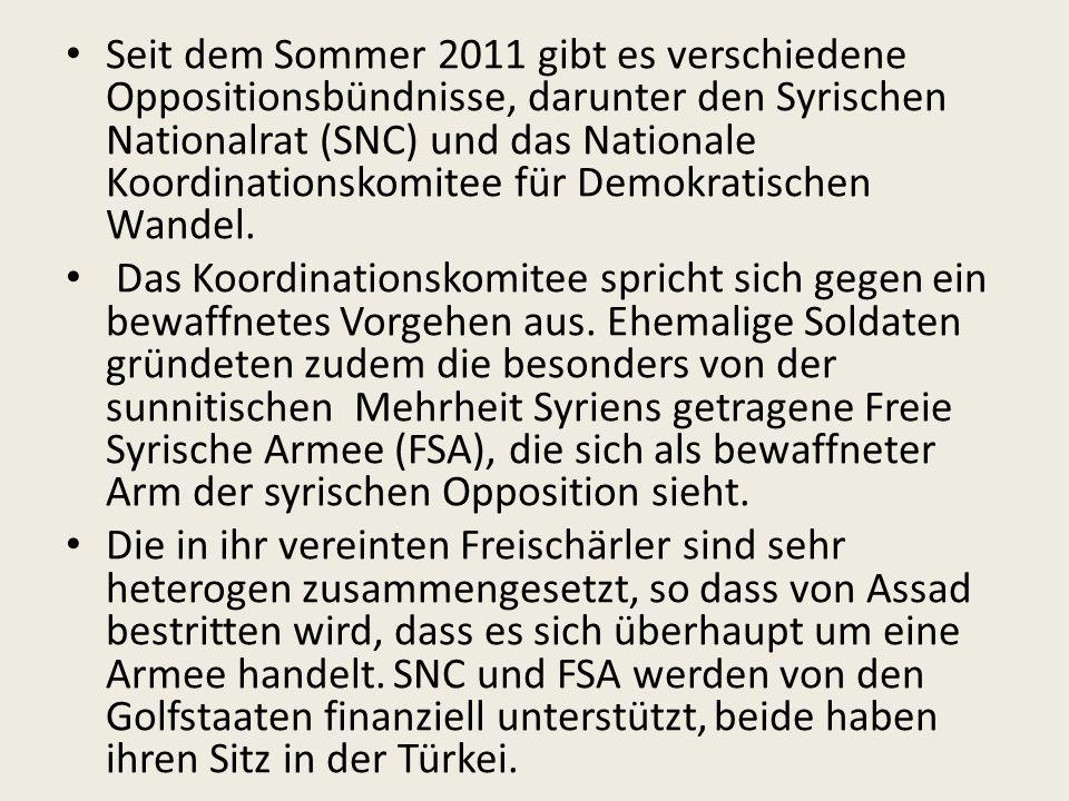 Seit dem Sommer 2011 gibt es verschiedene Oppositionsbündnisse, darunter den Syrischen Nationalrat (SNC) und das Nationale Koordinationskomitee für Demokratischen Wandel.
