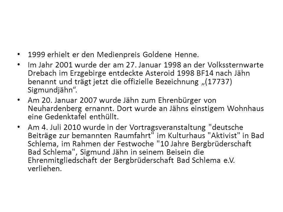 1999 erhielt er den Medienpreis Goldene Henne. Im Jahr 2001 wurde der am 27. Januar 1998 an der Volkssternwarte Drebach im Erzgebirge entdeckte Astero