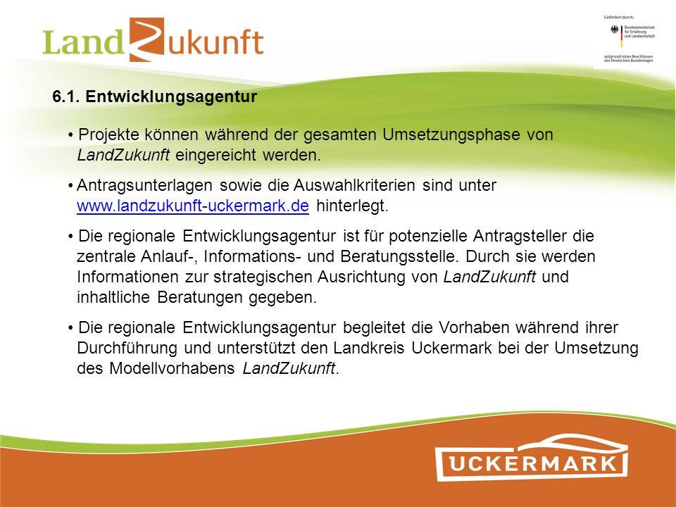 Projekte können während der gesamten Umsetzungsphase von LandZukunft eingereicht werden. Antragsunterlagen sowie die Auswahlkriterien sind unter www.l