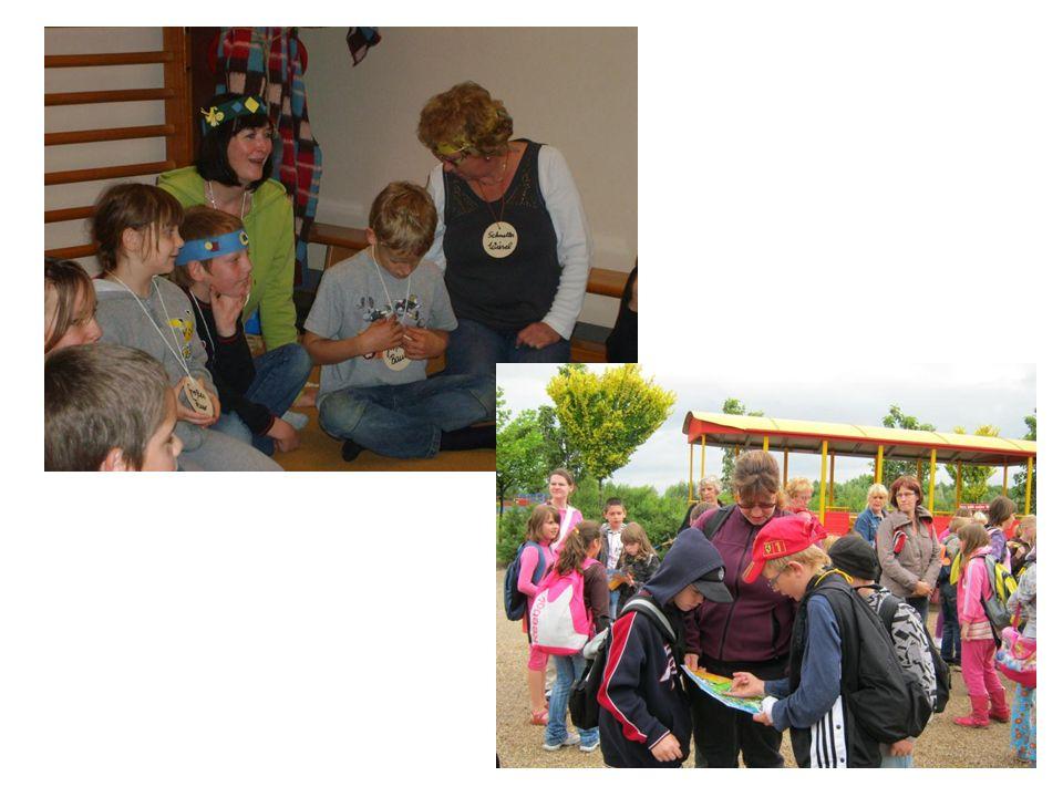 Elternarbeit Pädagogen und Eltern erarbeiten gemeinsam angemessene Erziehungsstrategien und setzen diese gemeinsam um.