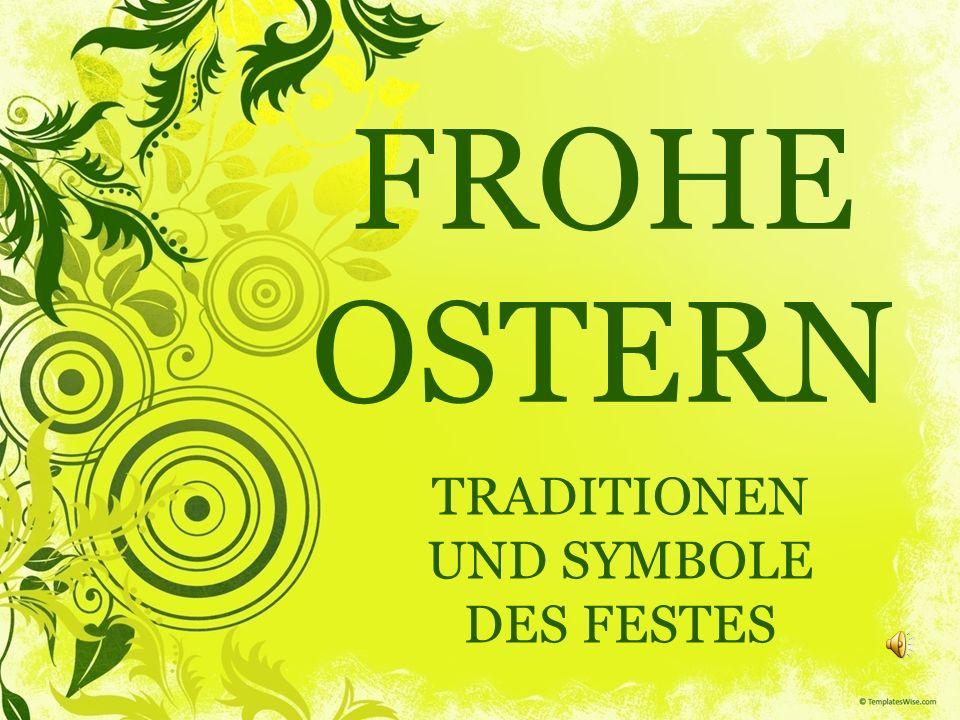 OSTERFEIERTAGE Auf dem Frühstückstisch stehen auch die Osterkerzen und der Osterstrauß mit den typischen Blumen des Frühjahrs, den Osterglocken.