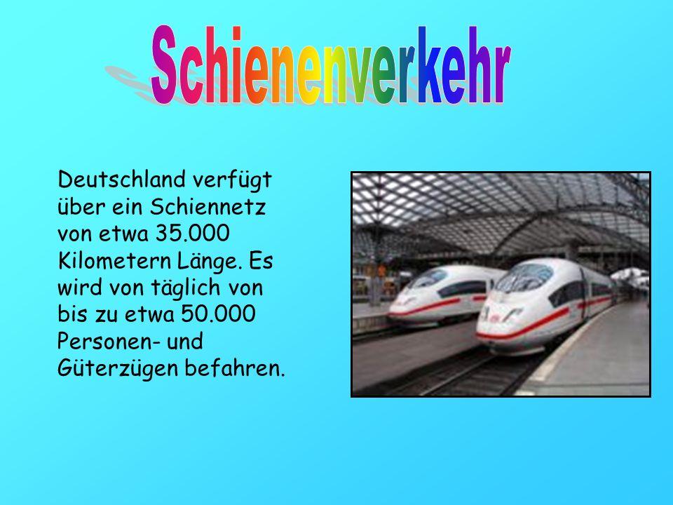 Deutschland verfügt über ein Schiennetz von etwa 35.000 Kilometern Länge. Es wird von täglich von bis zu etwa 50.000 Personen- und Güterzügen befahren