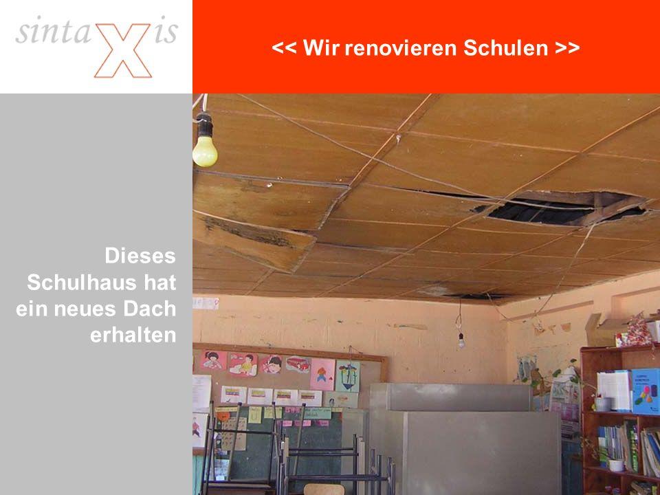 > Dieses Schulhaus hat ein neues Dach erhalten