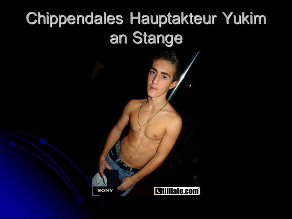 Chippendales Hauptakteur Yukim an Stange