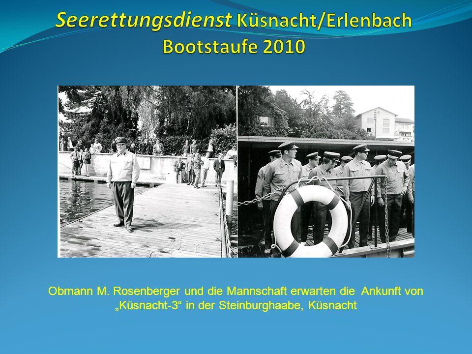 Eine Hauptübung vor 1974: Gemeinderat Werner Fundinger nimmt die Übung ab.
