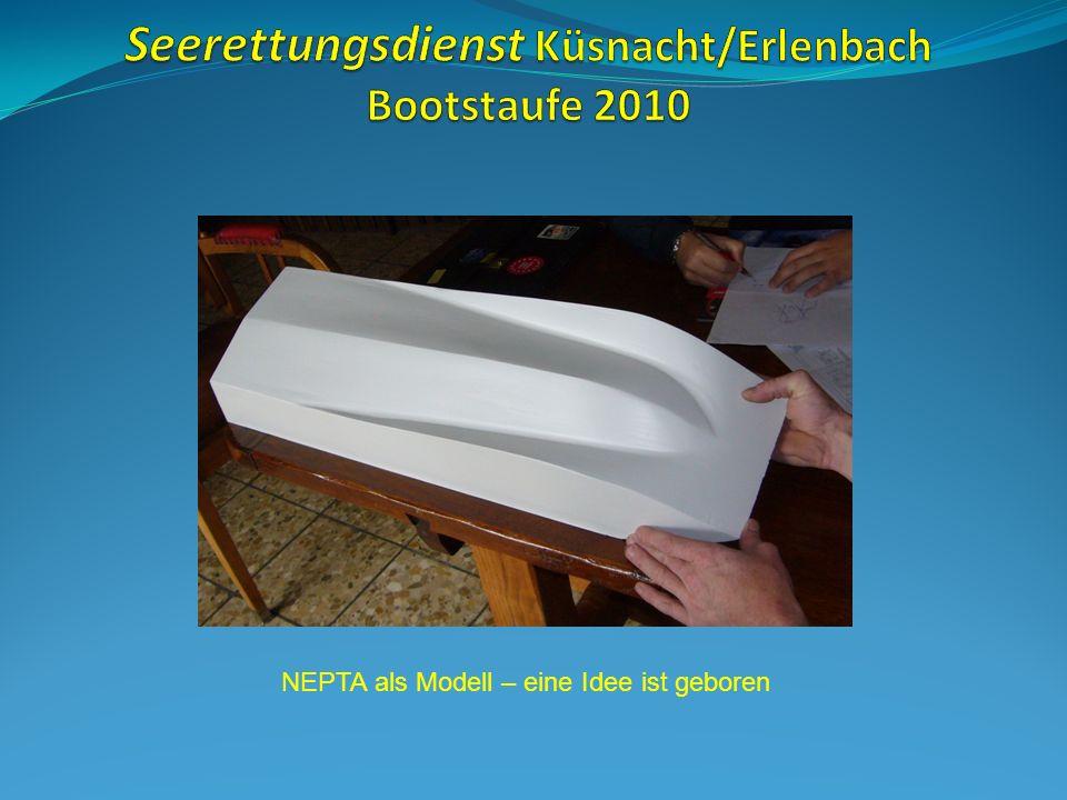 Und so werden u.A. die heutigen Boote gebaut: Glasfaser, Harz, Holz und Lacke.