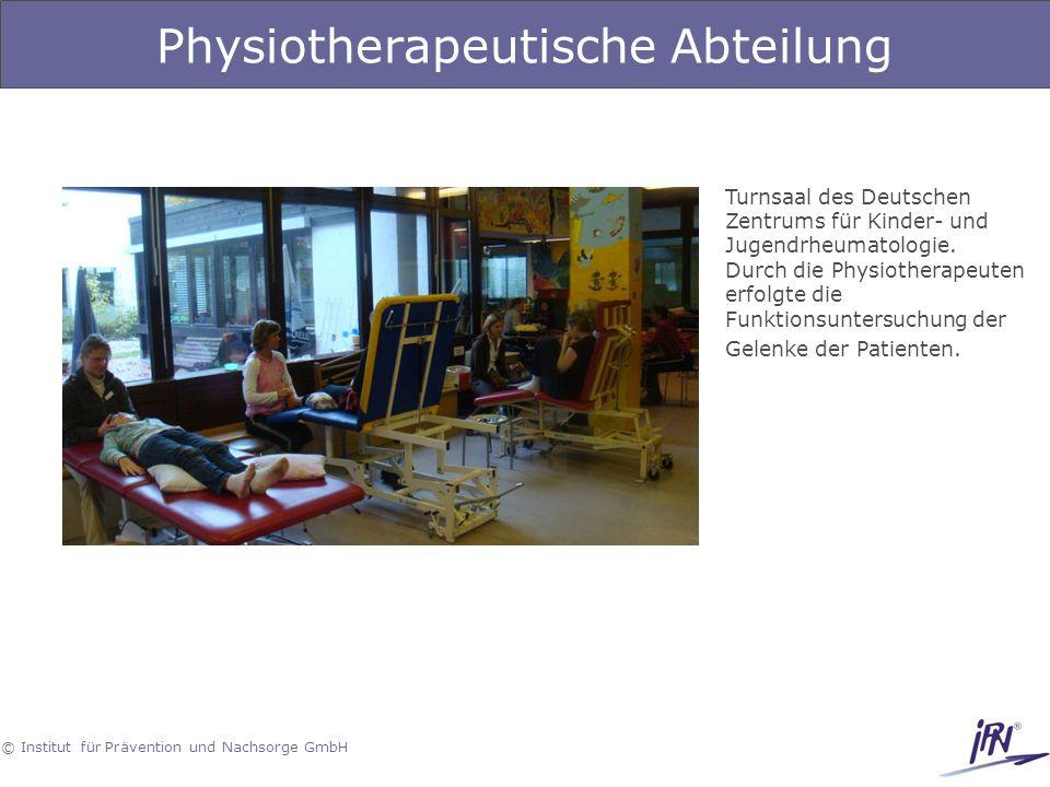 © Institut für Prävention und Nachsorge GmbH Physiotherapeutische Abteilung Turnsaal des Deutschen Zentrums für Kinder- und Jugendrheumatologie. Durch