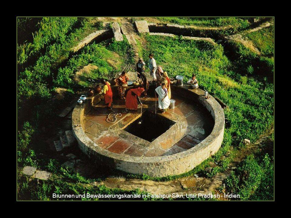 Brunnen und Bewässerungskanäle in Fatehpur Sikri, Utar Pradesh - Indien