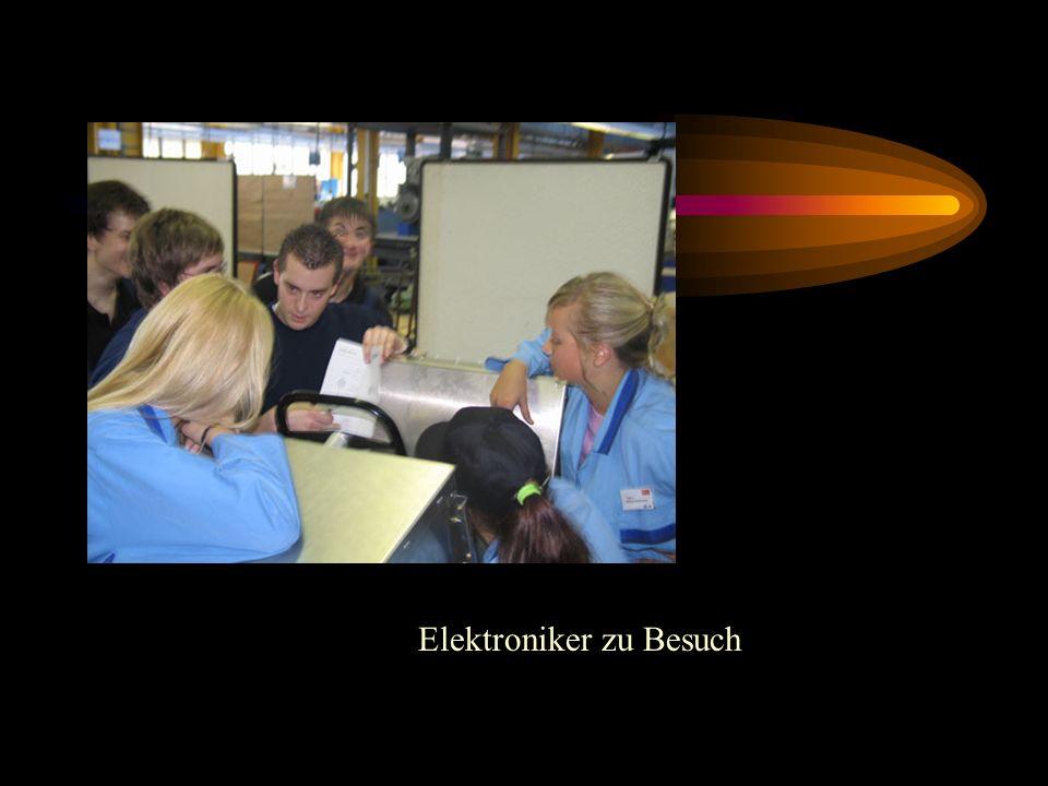 Elektroniker zu Besuch