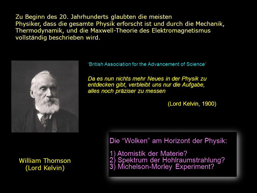 TEILCHEN 1911 Ernest Rutherford (r) und Hans Geiger (l) in Manchester Entdeckung des Atomkerns Geiger und Marsden schiessen Alpha-Teilchen auf Goldfolien 1 von 8000 Alpha-Teilchen wird rückwärts gestreut (> 90 o ) Dies konnte nicht durch das Rosinenkuchen-Modell erklärt werden Rutherford: Die gesamte Masse des Atoms ist in einem winzigen Atomkern konzentriert Grösse: Coulomb-Potential= kinetische Energie: < 27 ×10 -15 m (korrekter Wert: 7.3) Rosinenkuchen Modell des Atoms (1904) e-e-e-e-