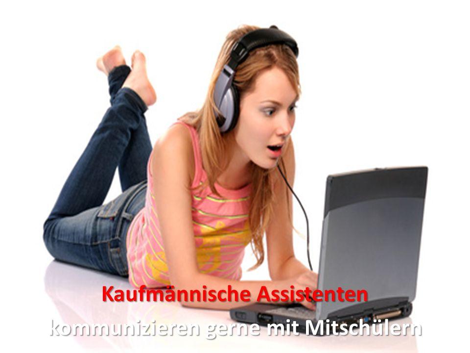 Kaufmännische Assistenten kommunizieren gerne mit Mitschülern