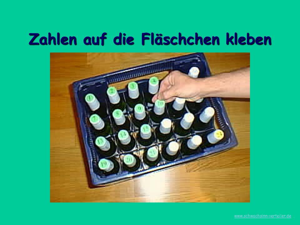 Zahlen auf die Fläschchen kleben www.schwachsinn-verteiler.de