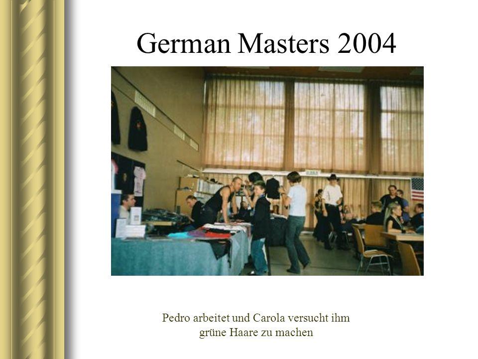 German Masters 2004 Pedro arbeitet und Carola versucht ihm grüne Haare zu machen