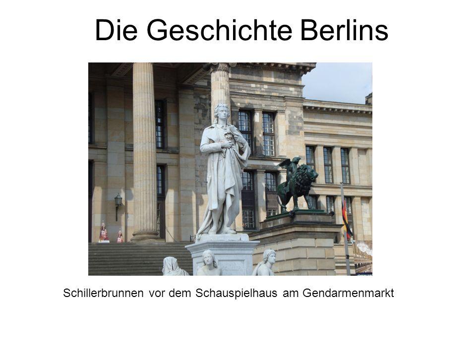 Die Geschichte Berlins Schillerbrunnen vor dem Schauspielhaus am Gendarmenmarkt