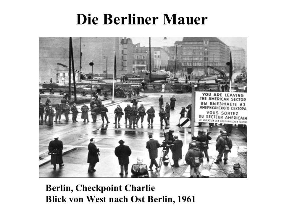 Die Berliner Mauer Berlin, Checkpoint Charlie Blick von West nach Ost Berlin, 1961