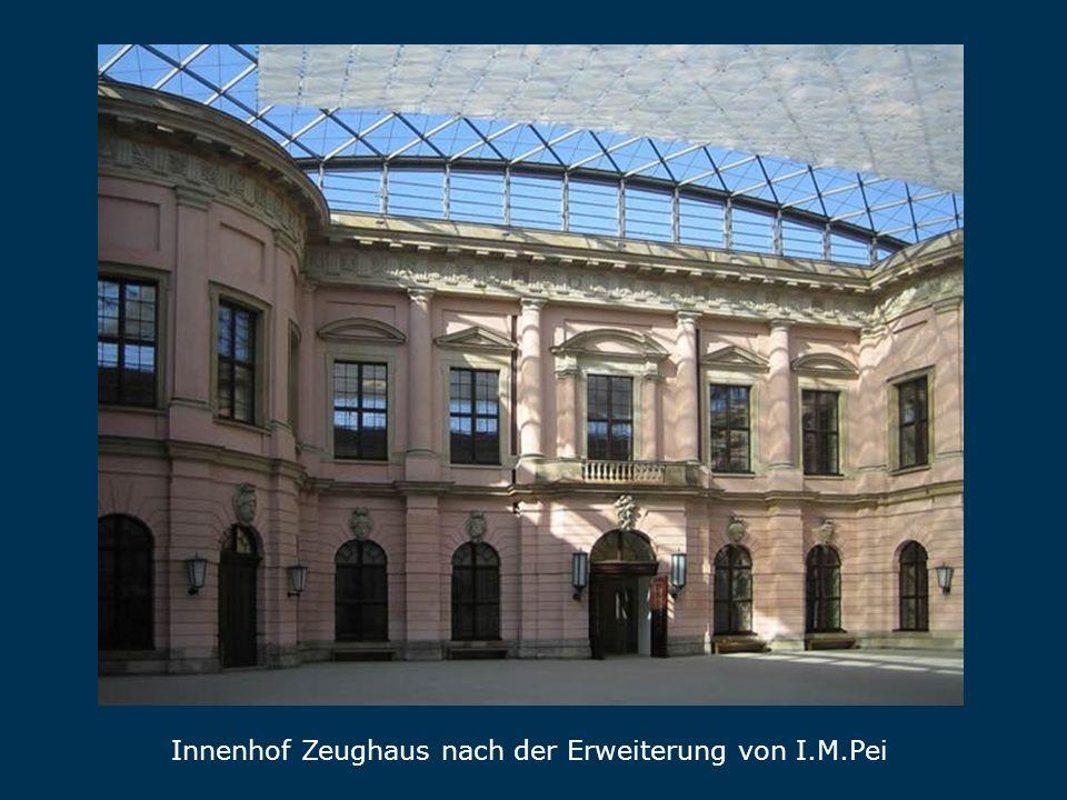 Innenhof Zeughaus nach der Erweiterung von I.M.Pei Ze ugh aus