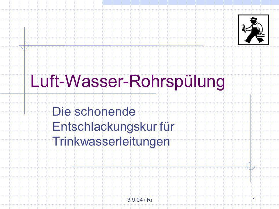 3.9.04 / Ri12 Beispiel Düsseldorf- Angermund Eimerweise braune Schlammbrühe mit bis zu 3 mm großen Rostbröckchen Inkrustierungen, die den Rohrquerschnitt verringern, werden schonend, ohne mechanische oder chemische Einwirkung abgetragen.