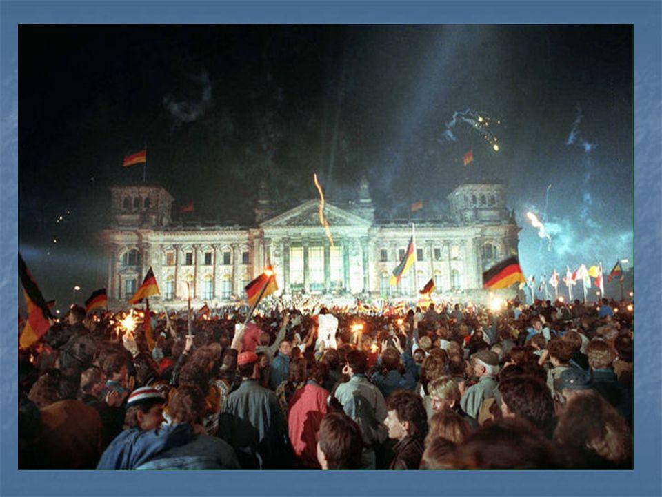 Der Tag der Wiedervereinigung Deutschlands ist am.... a) 3.10. 90, b) 7.10.49, c) 13.08.61